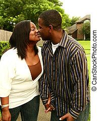 baisers, américain, extérieur, couple, africaine