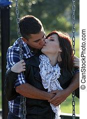 baisers, couple, (2), romantique, cour de récréation
