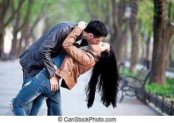 baisers, couple, city., ruelle