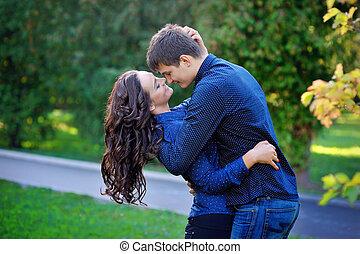baisers, couple, femme, parc, homme