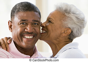 baisers, couple, intérieur, sourire, délassant