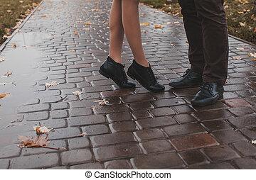 baisers, couple, jambes
