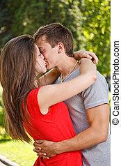 baisers, couple, parc
