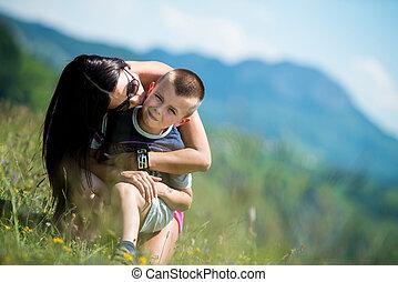 baisers, enfant, joue, elle, mère