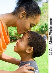 baisers, mère, enfant