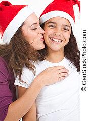 baisers, mère, fille, noël, heureux