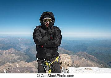 baixo, mountaineer, esqui, topo, máscara, casaco, gelado, mountain., capuz