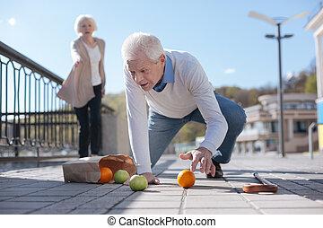 baixo, queda, rua, homem velho