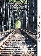 baixo, trilhas estrada ferro, olhar fixamente