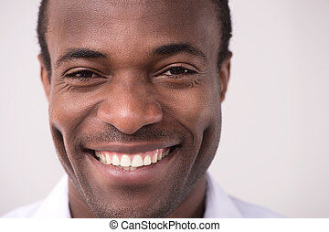 bajada, hombres, alegre, men., cámara, africano, retrato, sonreír feliz