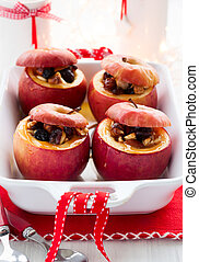 baked apples - Baked apples stuffed with nuts and dried ...