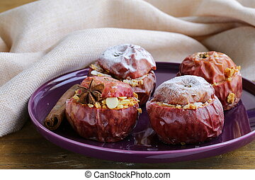 Baked apples with spices