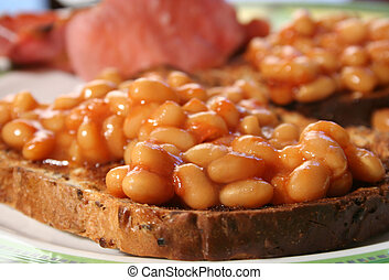 baked beans on toast - healthy baked beans on brown toast