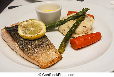 Baked Salmon with Potatoes and Asparagus