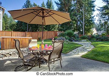bakgård, unbrella, bord