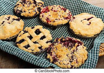 Baking homemade fresh fruit pies