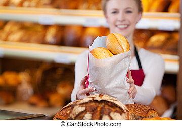 bakkerij, arbeider, het houden zak, van, brood