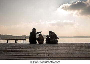 baksidaen beskådar, utomhus, se, familj, hav