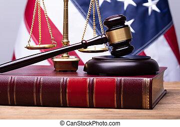 balance justice, livre, droit & loi, maillet