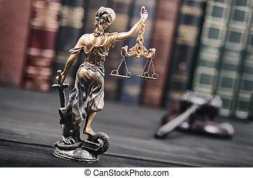balances justice, justitia, justice dame, juge, marteau, et, livres loi, dans, les, arrière-plan.