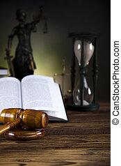 balances justice, marteau, livre loi