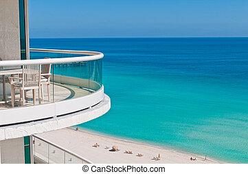 Balcony to the ocean