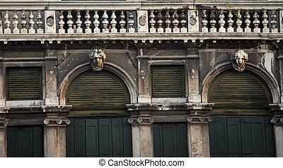 balcony venice