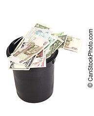 balde, com, dinheiro, sobre, fundo branco