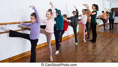 balet, dzieci, practicing, grupa, barre