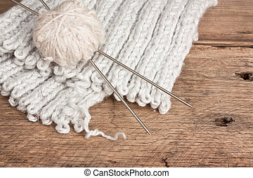 ball of wool and needles