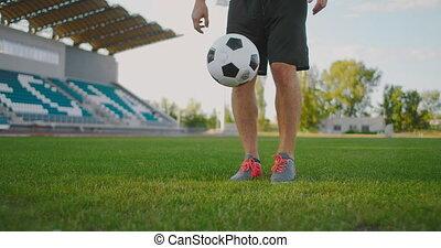 balle, ball., donner coup pied, ralenti, footballeur, ...