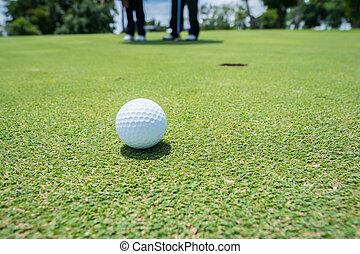 balle golf, sur, green