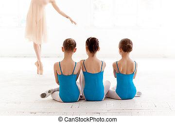 ballet, baile, tres, bailarinas, poco, bailando, profesor, ...