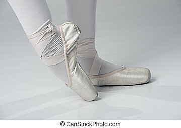 Ballet dancer shoes - gold