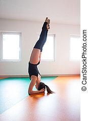 ballet, pratique, tête, jeune, danseur, stand