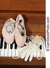 ballett, spitze, perlen, schuhe, handschuh, klavier