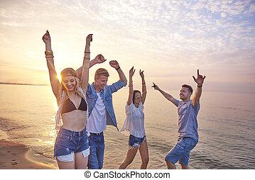 ballo, durante, tramonto, spiaggia