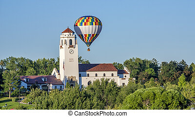 balloon, air, chaud, dépôt train, sur
