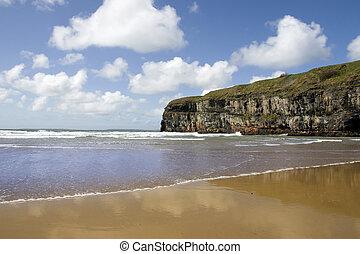 ballybunion, sandstrand, klippen, atlantisch, wellen