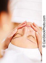 balneario, mujer, facial, procedimiento, debajo