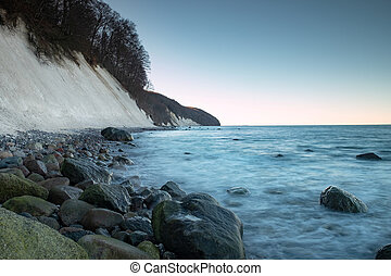 Baltic Sea Coast at Jasmud park. Cold autumn morning on the ...