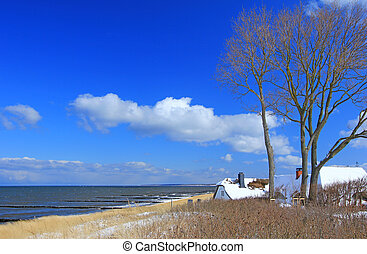 Baltic Sea Coast in winter at Ahrenshoop, Fishland, Mecklenburg-West Pomerania, Germany