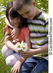 bambini, con, fiore