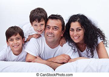 bambini, famiglia, -, letto, ritratto, felice