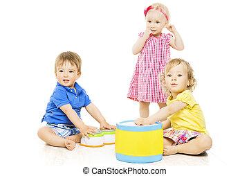 bambini giocando, toys., piccolo, bambini, e, bambino, sviluppo, isolato