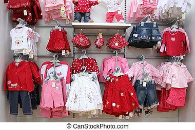 bambini, vestiti, in, negozio