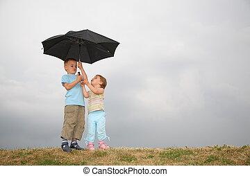 bambino, con, il, ombrello