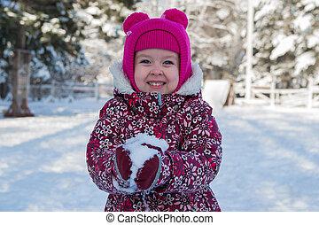 bambino, in, uno, wonderland inverno