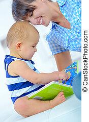 bambino, libro, lettura, letto, madre