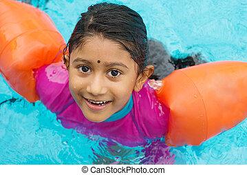 bambino, nuoto
